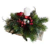salg af juledekoration p� birkebr�nde  - r�d pynt