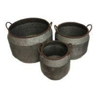 Metal potter
